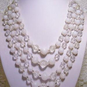 R-1750 Vintage 4-Strand Baroque White A.B. Clear B